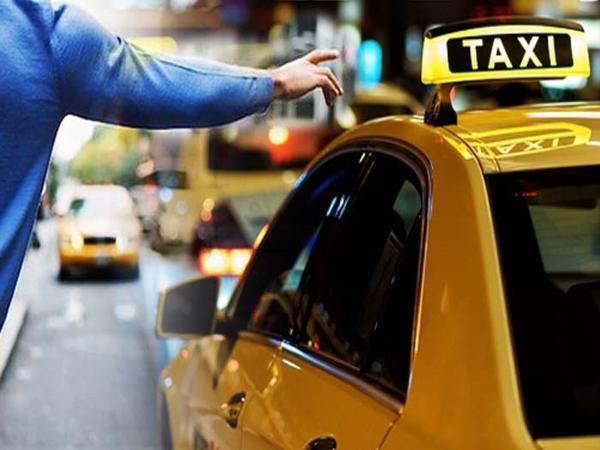 mơ thấy xe taxi